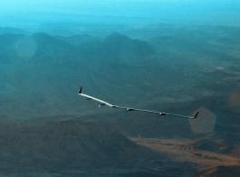 Anúncio do primeiro voo da aeronave Aquila.