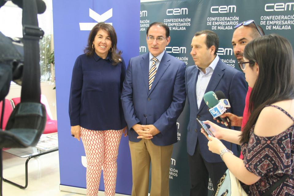Facebook y CEM 2